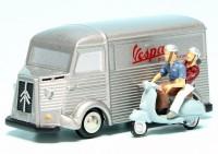 "Piccolo Citroen HY Kastenwagen mit Vespa Roller ""Vespa Kundendienst"""