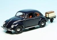 VW Käfer mit Ovali-Fenster und Anhänger