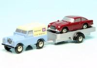 """Piccolo Land Rover Serie III mit PKW-Anhänger und Aston Martin DB5 """"British Car Service"""""""