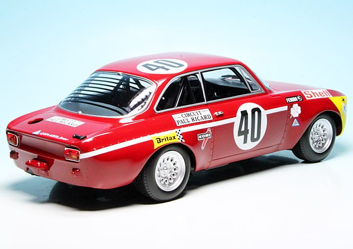 1971 Alfa Romeo GTA 1300 Junior Red Limited Edition to 600 pieces Worldwide 1//18