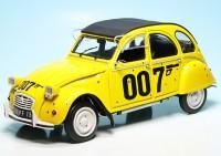 """Citroen 2CV6 """"James Bond 007 - For your eyes only"""" (1981)"""
